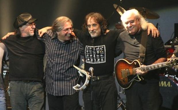 CICLONE PFM - Stasera al teatro Il Celebrazioni la band capitanata da Franz Di Cioccio in concerto con «All the best»