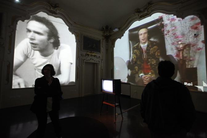 Roberto Benigni e Nicoletta Braschi all'inaugurazione della mostra «Bob e Nico» dedicata alla loro carriera, a Bologna a Palazzo Pepoli