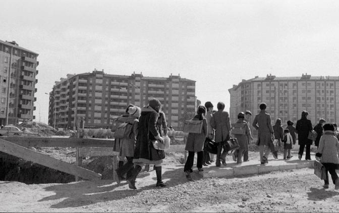1966: inaugurazione del primo nucleo di case al Pilastro (foto Piero Casadei)