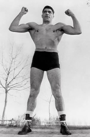 25 febbraio 1963: Il pugile di Pieve di Cento Francesco Cavicchi lascia la boxe (foto Walter Breveglieri)