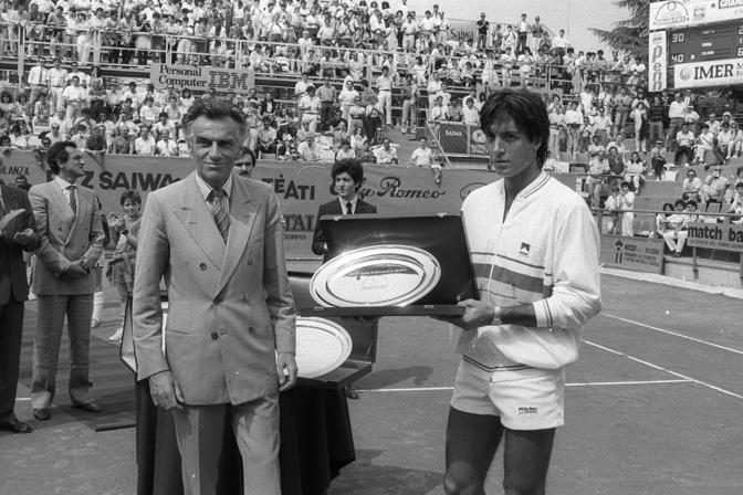 Erano i tempi di Paolo Canè e Claudio Panatta, il fratello minore del più celebre Adriano. Era il 1985 e al Cierrebi si giocavano gli Internazionali Atp di Bologna, torneo sulla terra rossa.