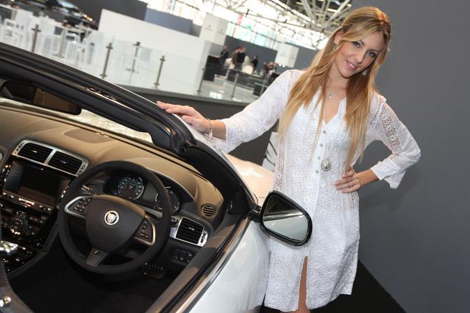 Bellezze al Motor Show: c'è anche Elena Santarelli