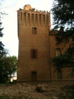 La torre crollata al castello di Galeazza