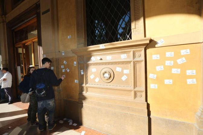 Il blitz alla Banca d'Italia: «Save school, not banks»