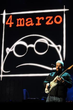 Foto Gianfilippo Oggioni - LaPresse 04-03-2013 Bologna Italia Cronaca Concerto per primo anniversario morte Lucio Dalla Nella foto Bocelli