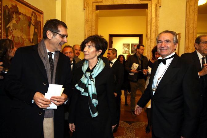 Virginio Merola con la moglie Daniela e Francesco Ernani