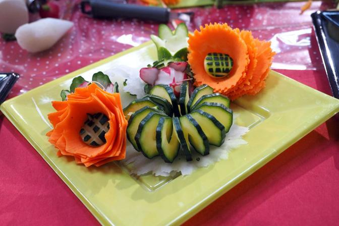 In un attimo, con poche verdure, un angolo di prato in un piatto.