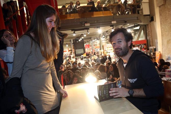 Chef Carlo Cracco presenta libro libreria Coop Ambasciatori