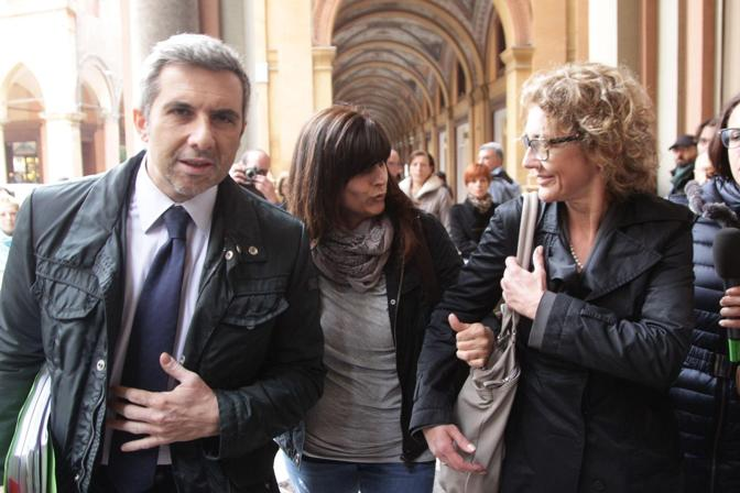 Annamaria Franzoni al tribunale di Sorveglianza, a Bologna, dove si discute la perizia psichiatrica disposta sulla sua richiesta di detenzione domiciliare. La donna, condannata a 16 anni in via definitiva per l'omicidio del figlio Samuele, nel 2002 a Cogne, dal 2008 si trova in carcere a Bologna