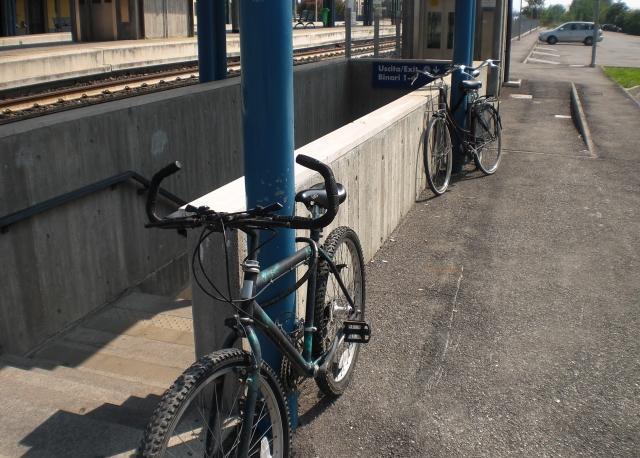 San Felice sul Panaro (MO): evidente la carenza di rastrelliere per le biciclette