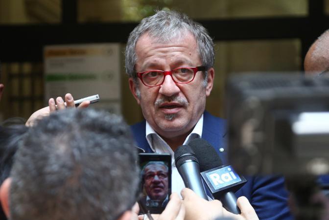 Oggi la notizia che Claudio Scajola e Gianni De Gennaro sono indagati nell'inchiesta bis sulla revoca della scorta a Marco Biagi, ucciso a Bologna dalle Br il 19 marzo 2002. All'epoca Scajola e De Gennaro erano ministro dell'Interno e capo della Polizia.