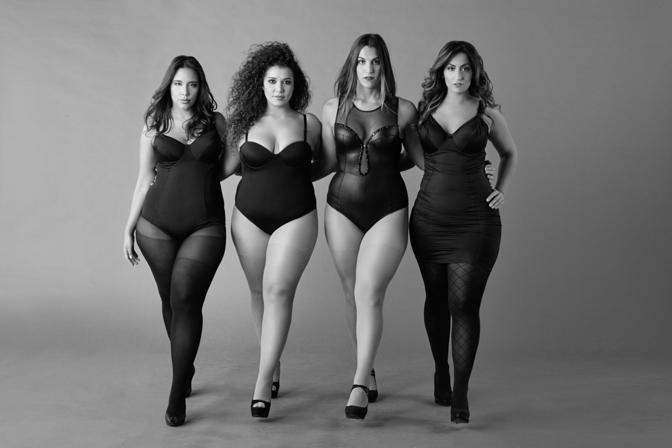 Calendario Donne Formose.Solo Taglie Morbide Il Calendario Delle Donne Curvy