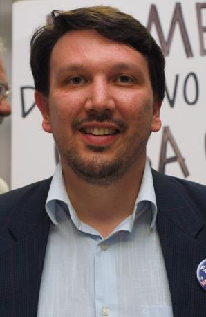 Nato a Ravenna, 31 anni, consulente aziendale, tra i promotori con Mario Adinolfi del Popolo della Famiglia. Con questa lista si candida per la prima volta a sindaco