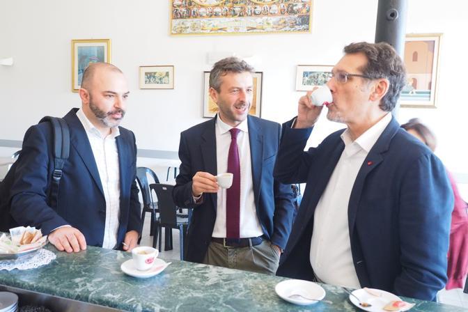 L'unico confronto tra i cinque principali candidati sindaco a Bologna va in scena al centro sociale Montanari per le frequenze di «Radio Città del Capo»