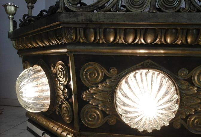lampadari bologna : lampadari che illuminano l?atrio Ovest della stazione di Bologna ...