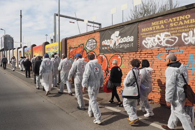 «I Love Bolognina» è il nome dell'iniziativa organizzata da Roberto Morgantini per la pulitura dei muri dalle scritte in via Matteotti e la decorazione con street art del ponte di via Stalingrado
