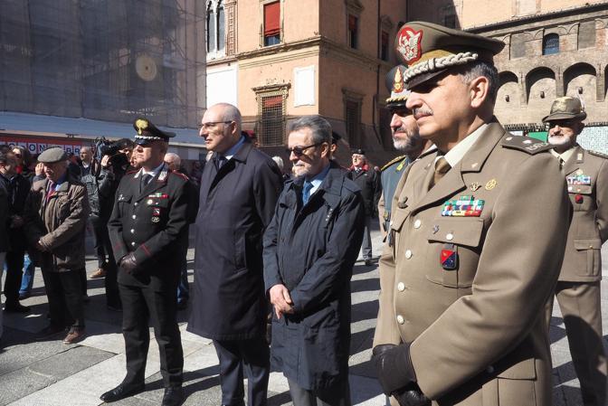 Come ogni anno, Bologna ricorda la liberazione dal nazifascismo, avvenuta in città il 21 aprile. La cerimonia alla lapide in ricordo dei partigiani in piazza del Nettuno