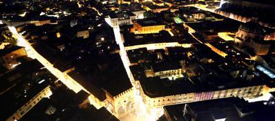 Bologna di notte, dall'alto della torre degli Asinelli
