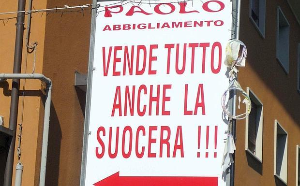 detailed look bba98 0d20d Si saldi chi può - Foto del giorno - Corriere di Bologna
