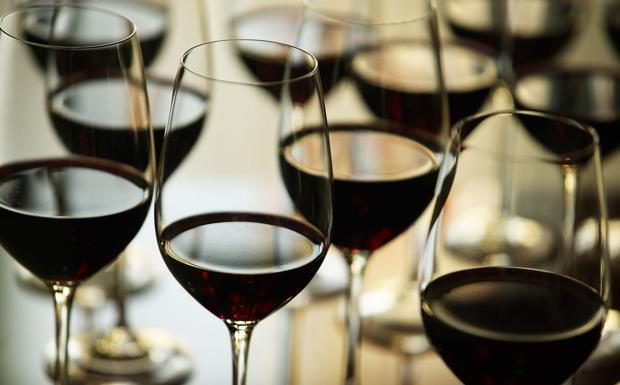 La notte del vino - A partire dalle 19, martedì 20, prende il via Wine City Night: un itinerario enogastronomico arricchito da incontri con gli stessi produttori vinicoli per celebrare la cultura del buon bere passeggiando per le vie della città (5 euro un calice di vino abbinato ad un assaggio gourmet di cibo). Partecipano: Acca Vineria, Alce Nero-Berberè, Banco del vino, Bar Mercato, Camera a sud, Da Francesco, Enoteca ai vini scelti, Enoteca la Cantina, Enoteca Solferino, Enoteca storica Faccioli, Enoteca Zampa, La Fastuchera, Sette Tavoli, Via con me.