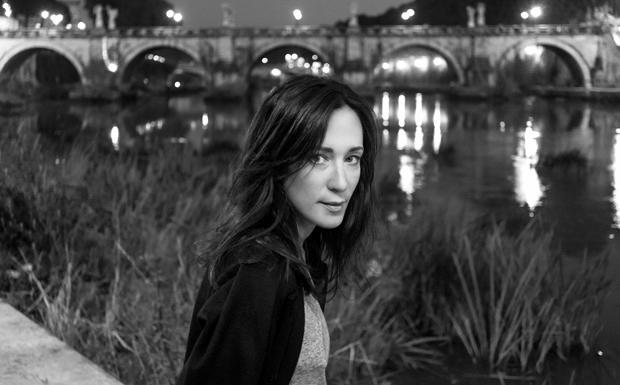 Chiara Gamberale: «Adesso» - Chiara Gamberale presenta giovedì in Sala Borsa il suo nuovo romanzo «Adesso». A una settimana dall'uscita, il libro è già alla seconda edizione. Appuntamento alle 18 all'Auditorium Enzo Biagi.