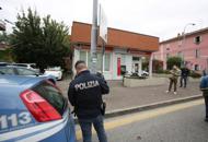 Rapina  alla Banca di BolognaVenti persone sequestrate | Foto