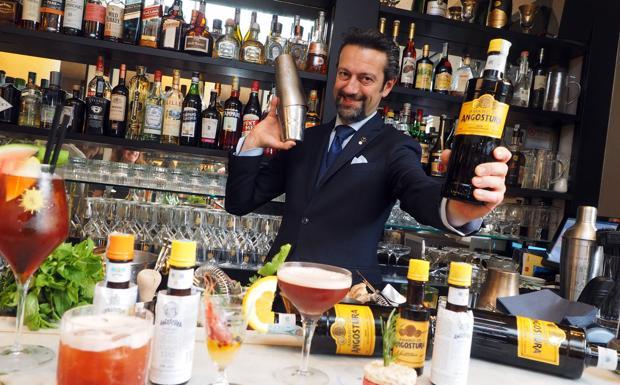 Celestino al Re Sole - Il famoso barman Celestino Salmi si è trasferito da poco al bistrot Re Sole dove è stato protagonista di una serata dedicata ai cocktail con Angostura