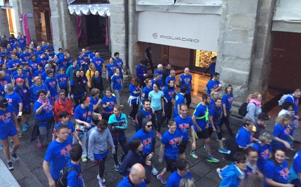 In 6 mila di corsa all'alba -  Erano in 6000 alla Run 5.30 di venerdì mattina, nonostante il maltempo. Per il quinto anno è andata in scena a Bologna la corsa all'alba, format ideato da Sergio Bezzanti e Sabrina Severi (Ginger SSD) e che a Bologna vede Uisp co-gestire l'evento. Per la prima volta l'arrivo era in Piazza Maggiore. Il primo a tagliare il traguardo è stato Fulvio Favaron, dopo 18 minuti.