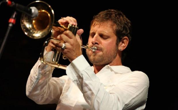 Bosso ad Anzola - Il trombettista torinese Fabrizio Bosso suona alle 21,30 in piazza Grimaldi ad Anzola Emilia con il Marcello Molinari Trio