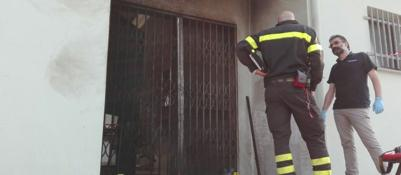 Attentato incendiario a circolo Pd a Modena