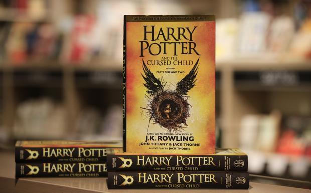 A mezzanotte con Harry Potter -  Stanotte è la notte di Harry Potter. A mezzanotte le librerie Feltrinelli di Piazza Ravegnana e Trame di via Goito 3/c rimangono aperte per iniziare la vendita di Harry Potter e la maledizione dell'erede. Inoltre, dalle 22 chi porterà una maglietta bianca potrà farsi realizzare una serigrafia speciale con un'immagine celebrativa.