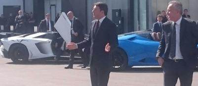 Renzi in Lamborghini Via alla visita alle aziende bolognesi