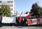 Cineca, 400 in sciopero - Braccia incrociate tutta la giornata e un presidio di quattro ore per circa 400 dipendenti del Cineca. I dipendenti del consorzio con sede a Casalecchio hanno indetto lo sciopero per protestare contro la disdetta del contratto integrativo, in scadenza il 31 dicembre. Esultano i sindacati: «L'adesione è oltre al 95%, ora l'azienda ci convochi per trattare». Scioperi anche nelle sedi di Roma e Milano, dove lavorano altre 300 persone. (R. R.)