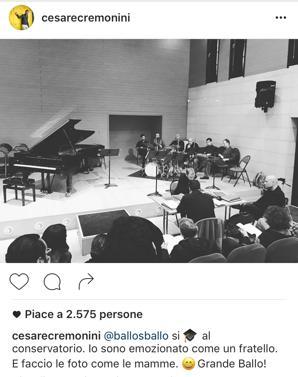 Ballo si diploma - Giorno di diploma per Ballo, al secolo Nicola Balestri - bassista di Cremonini, al Conservatorio di Rovigo. «Sono emozionato come un fratello. E faccio foto come le mamme», commenta Cesare Cremonini, pubblicando su Instagram una foto.
