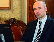 M5S, inchiesta sulle firme a Bologna I pm chiamano, Piazza si autosospende