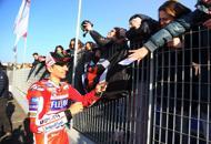 Ducati, Lorenzo in fabbrica«Più nervoso che alle gare» | foto