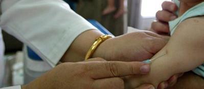 Vaccini obbligatori al nido, scontro Regione-Ordine dei medici