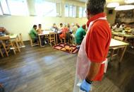 L'Antoniano: «Servono volontari»In tre giorni si presentano in 100 foto